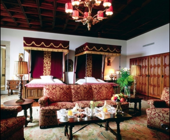 Luxurious Suites Fit for Royalty