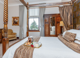 Luxury accommodation at Strone House